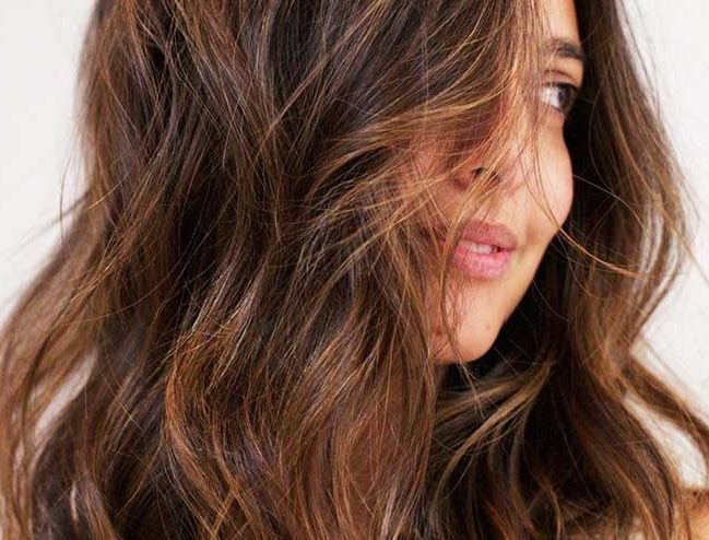 Simple ways to style shoulder-length hair wavy
